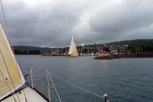 Målgång vid inloppet till Båstads hamn